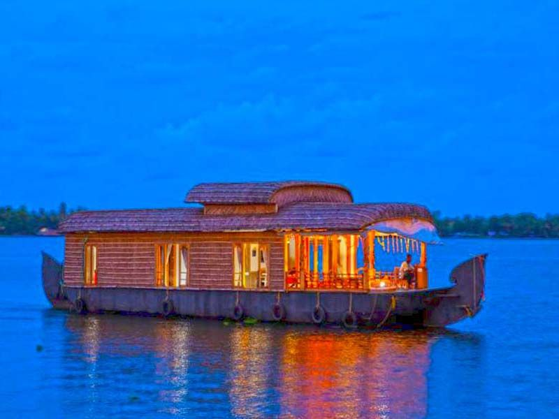 Houseboat Couple In Alleppey