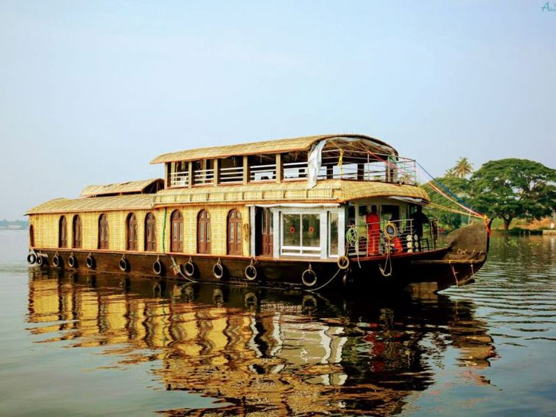 Family Houseboat Tour Kollam