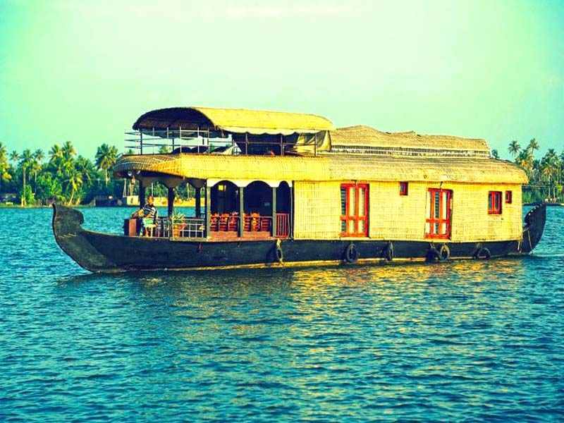Houseboat Rentals In Kumarakom