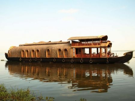 Best Standard Houseboat For Rentals In Kollam