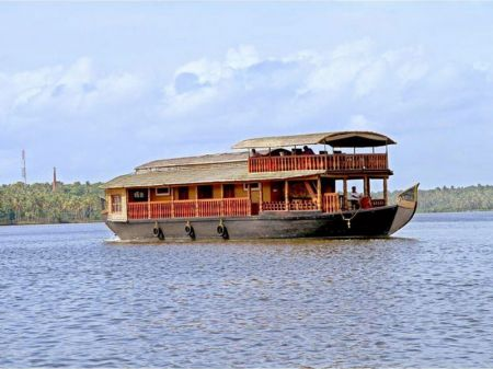 5 Bed Houseboat Kollam