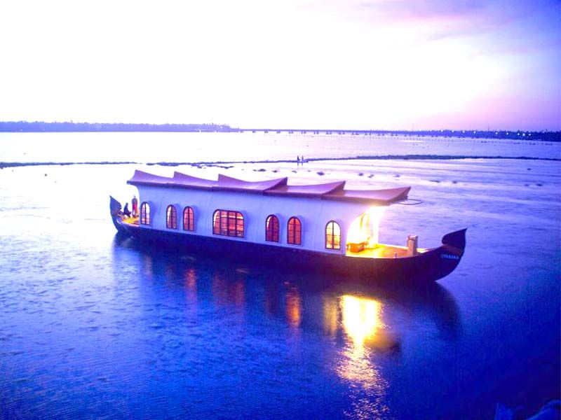 Houseboat  Rentals In Alleppey