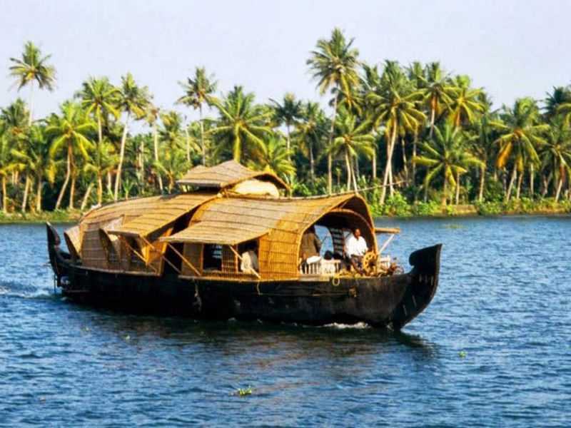 Best Houseboats In Kumarakom