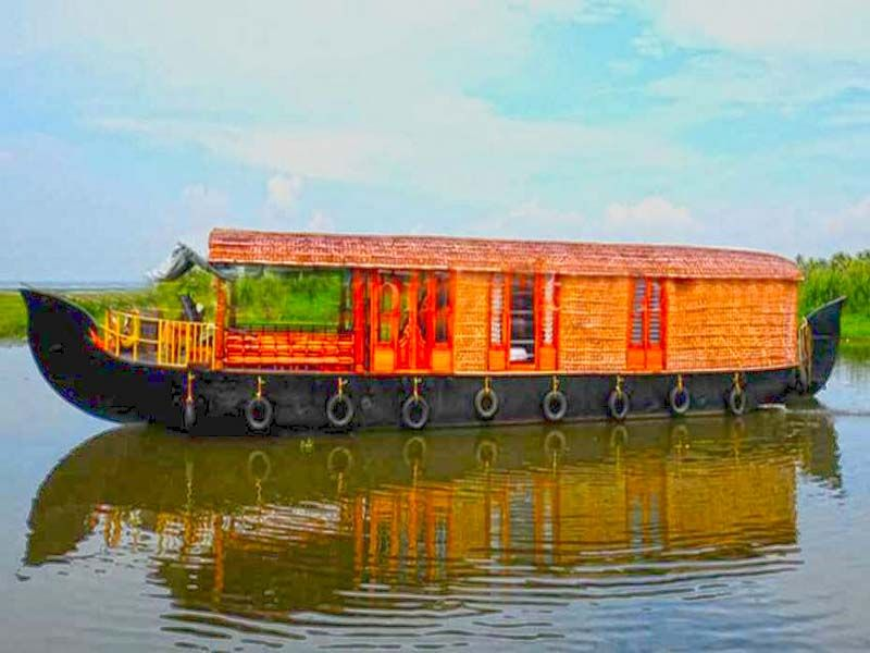 Super Luxury Houseboat Alleppey
