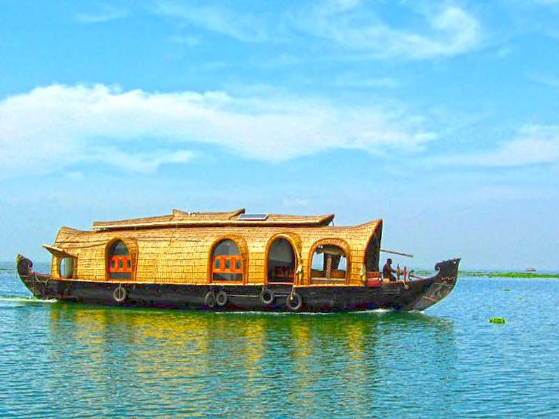 3 Bed Premium Houseboat In Kumarakom