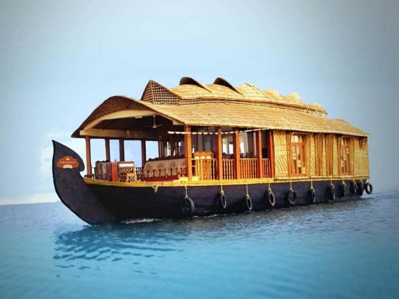 Ac Luxury Houseboat In Kumarakom