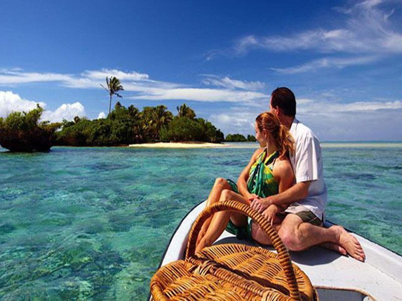 Couple Houseboat Tour Packages In Alleppey