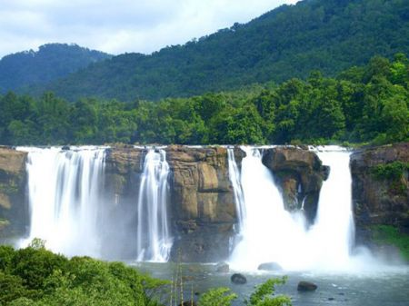 Top Honeymoon Destination In Kerala Guide