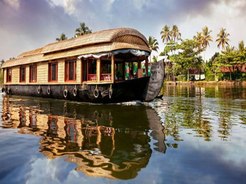 Tips To Travel Backwater Houseboat