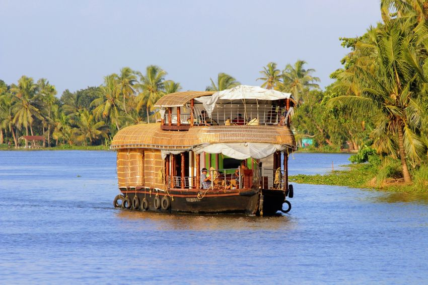 Houseboats In Allappuzha