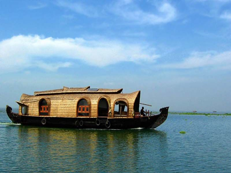 Houseboat With Jacuzzi In Alleppey