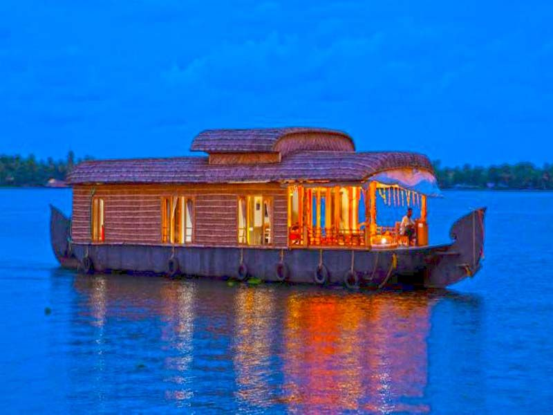 4 Bed Alleppey Houseboat Rates