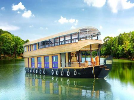 Kumarakom Cheapest Houseboats