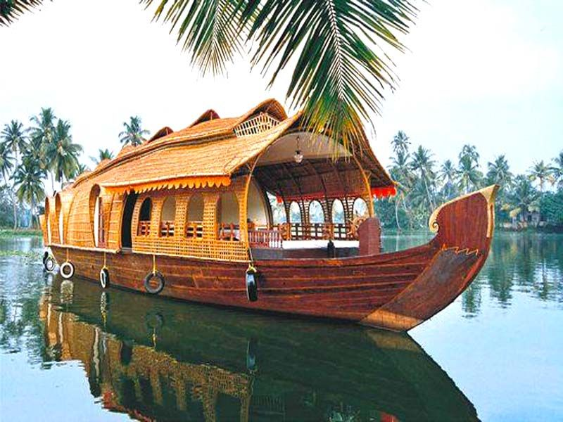 Delux Houseboats In Alleppey