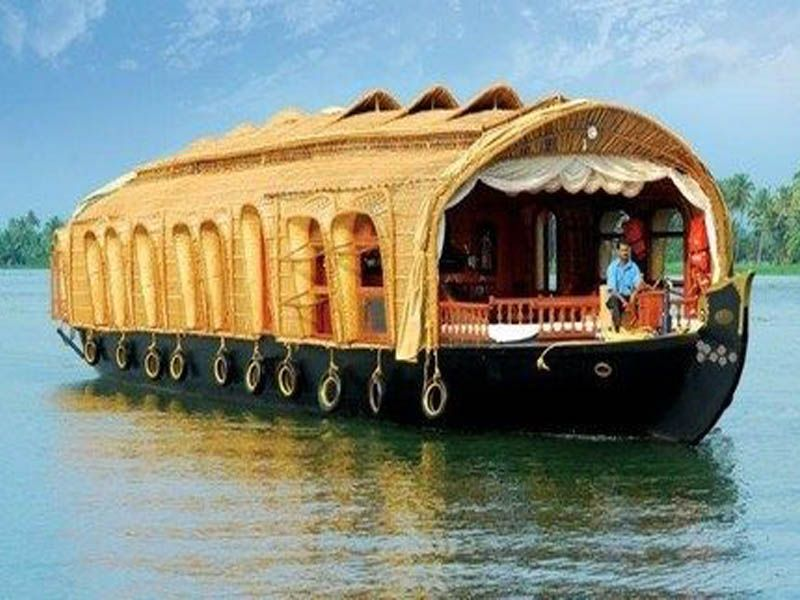 Houseboat Couple In Kumarakom