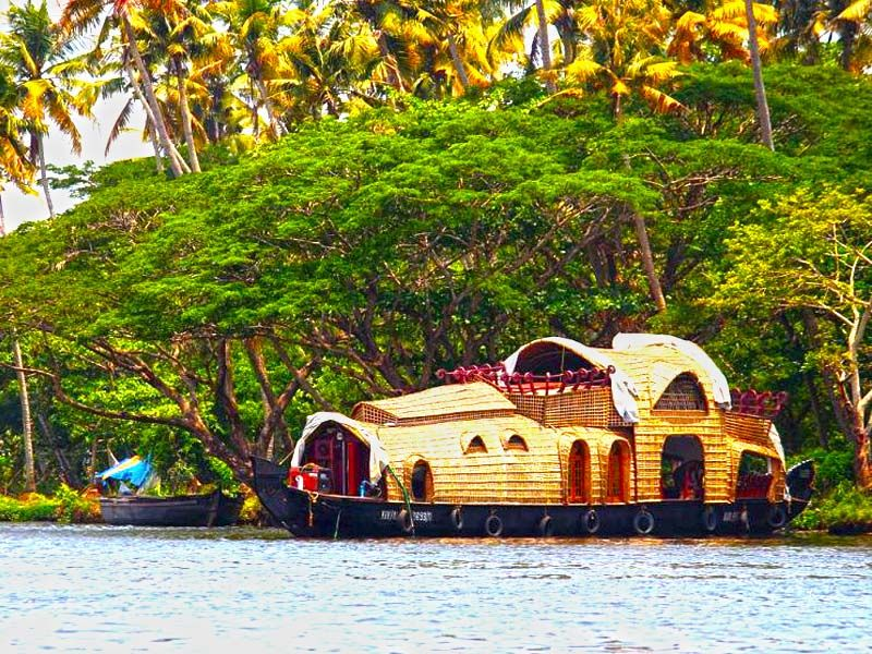 Cheapest Houseboats In Alleppey