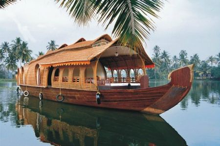 Best Super Delux Houseboats Alleppey