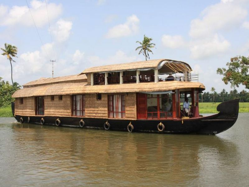 Luxury Houseboat Kollam