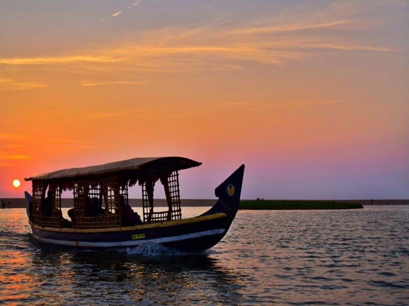 Kumarakom Houseboat Day Cruise Rates