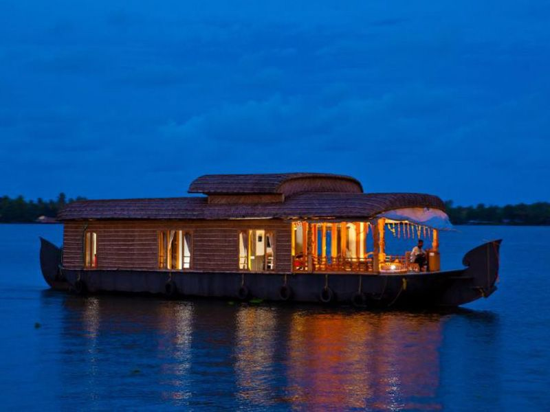 Backwater Houseboat Alleppey