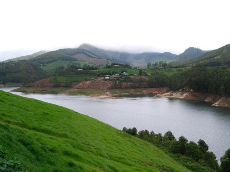 Munnar Thekkady Alleppey Honeymoon Package