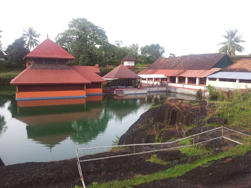 Valiyaparamba Backwaters Bekal