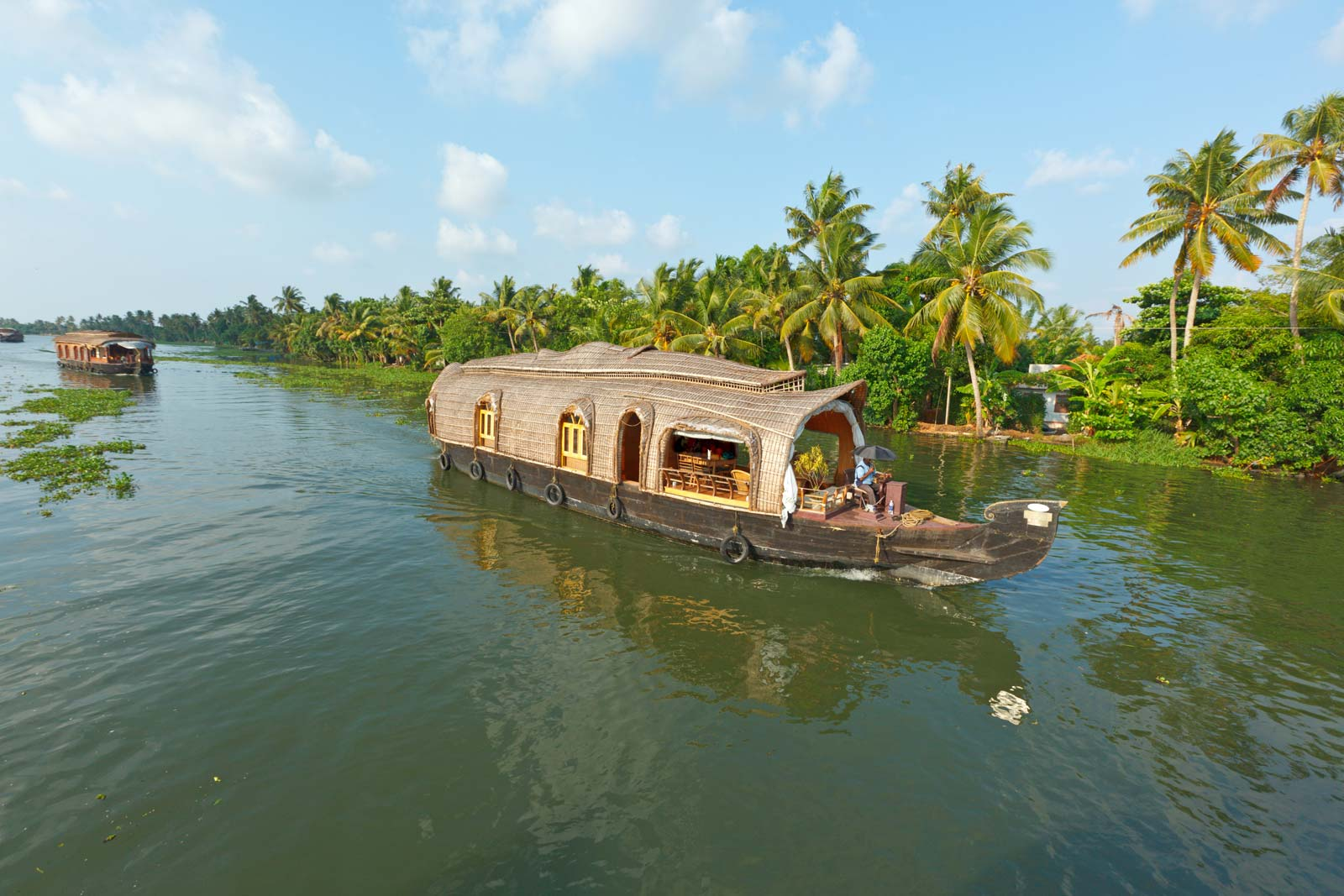 What makes Alleppey one of the best backwater destinations in Kerala?