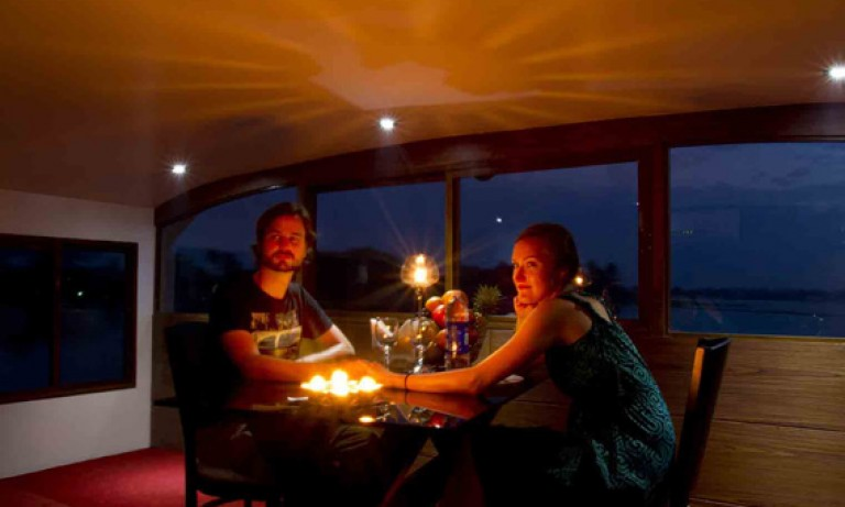 candle-light-dinner-768x461