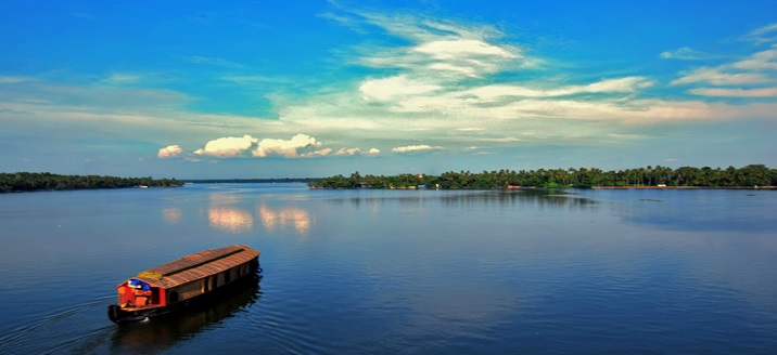 Alleppey to Kumarakom backwater route