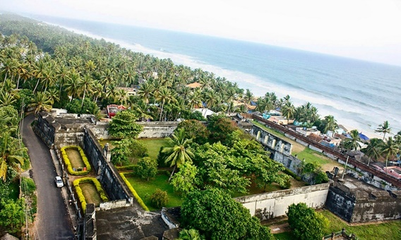 historical-sites-in-india-southern-kerala-anjuthengu-fort