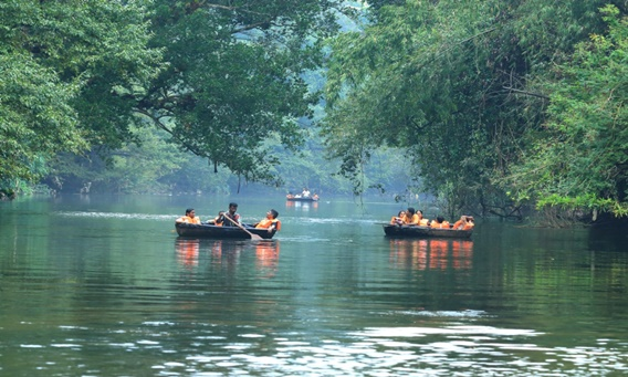 Coracle-Rafting-at-Adavi-1